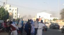 بعض المشاركين في الاحتجاجات المطالبة بإعدام كاتب المقال المسيء في نواكشوط (الأخبار)