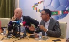 رئيس الاتحادية الموريتانية لكرة القدم أحمد ولد يحي، ورئيس الاتحاد الدولي لكرة القدم جياني انفانتينو خلال المؤتمر الصحفي مساء اليوم (الأخبار)