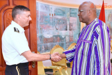 روك مارك كريستيان كابوري: رئيس بوركينافاسو والجنرال ستيفن تاونسند قائد أفريكوم