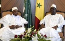 الرئيس السنغالي ماكي صال والرئيس السابق للبلاد عبد الله واد