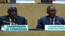 رئيس الاتحاد الإفريقي بول كاغامي ومفوض الاتحاد موسى فاكي.