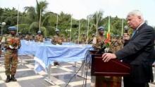 هيرفي لادسو: قائد عمليات حفظ الأممية في مالي، أمام بعض القوات الأممية بالبلاد.