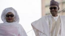 السيدة الأولى عيشة بخاري، رفقة زوجها الرئيس النيجيري محمدو بخاري.
