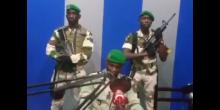 صورة مأخوذة من فيديو الجنود الثلاثة الذين تلوا البيان.