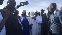 الرئيس الغامبي المنتخب آدما بارو يصل بانجول.