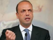 آنجيلينو آلفانو وزير الشؤون الخارجية الإيطالي.