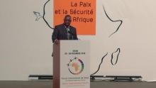 الرئيس السنغالي ماكي صال لدى إلقاء خطابه أمام المشاركين في منتدى السلام والأمن بإفريقيا.