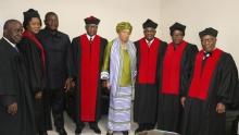أعضاء المحكمة العليا بليبيريا وفي الوسط الرئيسة منتهية الولاية إيلين جونسون.