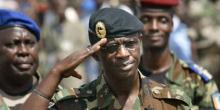 الجنرال افيليب مانغو الرئيس السابق لهيئة الأركان والسفير السابق لدى ساحل العاجل بالغابون.