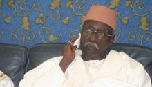 باباكر سي الملقب امباي سي منصور الخليفة العام الجديد للطريقة التيجانية في السنغال.