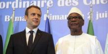 الرئيسان المالي ابراهيم بوبكر كيتا، والفرنسي إيمانويل ماكرون خلال قمة بباماكو يوليو 2017.