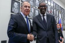 وزيرا خارجية مالي عبد اللاي ديوب وروسيا سيرغي لافروف على هامش مباحثاتهما في نيويورك