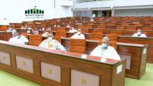 اللجنة البرلمانية خلال اجتماع سابق لها