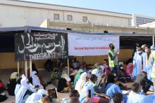مقدمو خدمات التعليم خلال تظاهرة سابقة قرب وزارة التهذيب الوطني