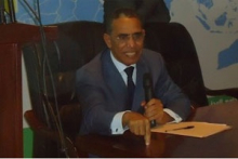 الأستاذ الدكتور إزيد بيه ولد محمد محمود - أستاذ بجامعة نواكشوط العصرية