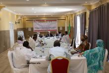 الأحزاب السياسية الممثلة في البرلمان خلال اجتماعها ظهر اليوم بنواكشوط (الأخبار)