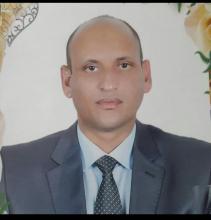 د.محمد ولد عابدين  أستاذ جامعي وكاتب صحفي.