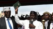 رايلا أودينغا: زعيم المعارضة الكينية، خلال أدائه اليمين رئيسا للبلاد.