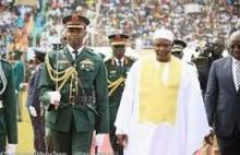 الرئيس الغامبي ٱدما بارو خلال تخليد البلاد ذكري عيد الاستقلال.