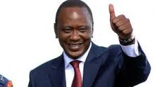 أوهورو كينياتا الرئيس الكيني المنصب لمأمورية رئاسية ثانية.