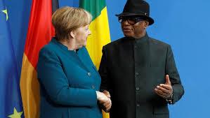 الرئيس المالي ابراهيم بوبكر كيتا والمستشارة الألمانية أنجيلا ميركل.