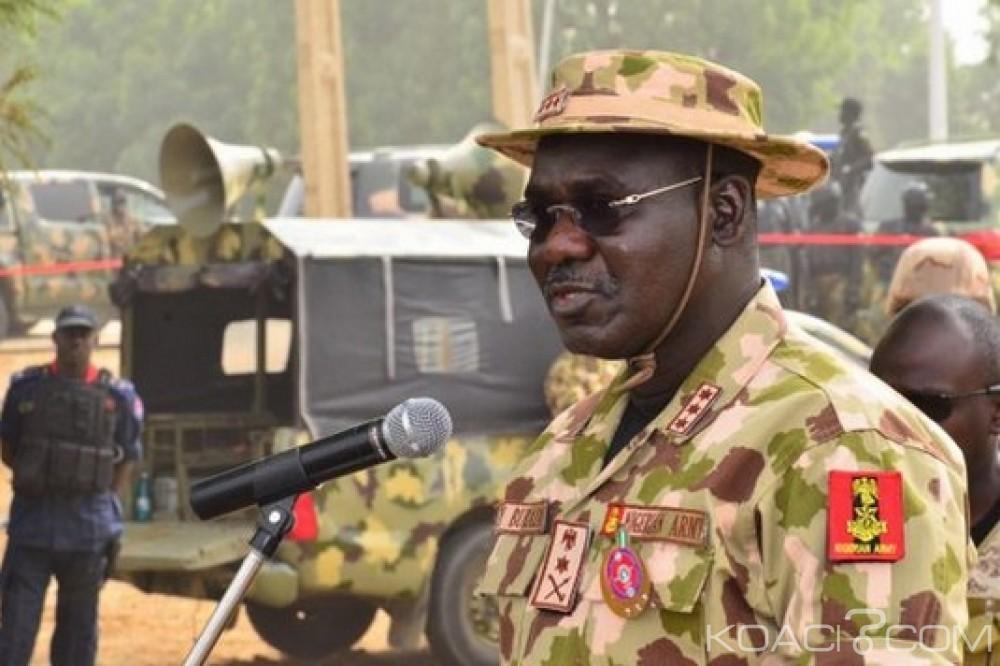 توكور بوراتيرئيس أركان القوات المسلحة النيجيرية.