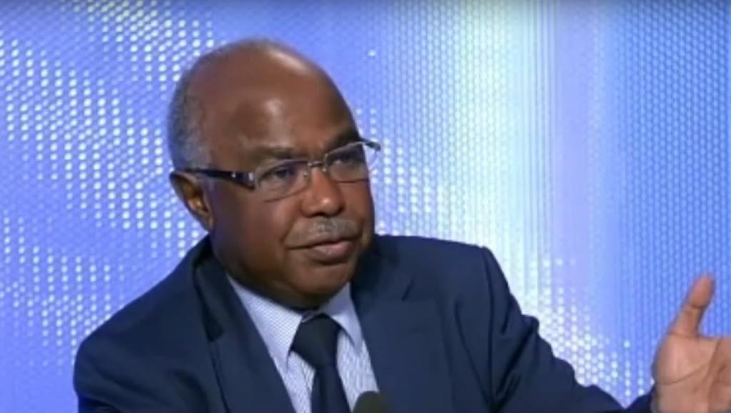 حسين إبراهيم طه: وزير الشؤون الخارجية اتشادي.