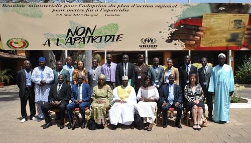 مشاركون في الاجتماع الوزاري ببانجول لوضع خطة عمل إقليمية لمواجهة تحدي انعدام الجنسية.