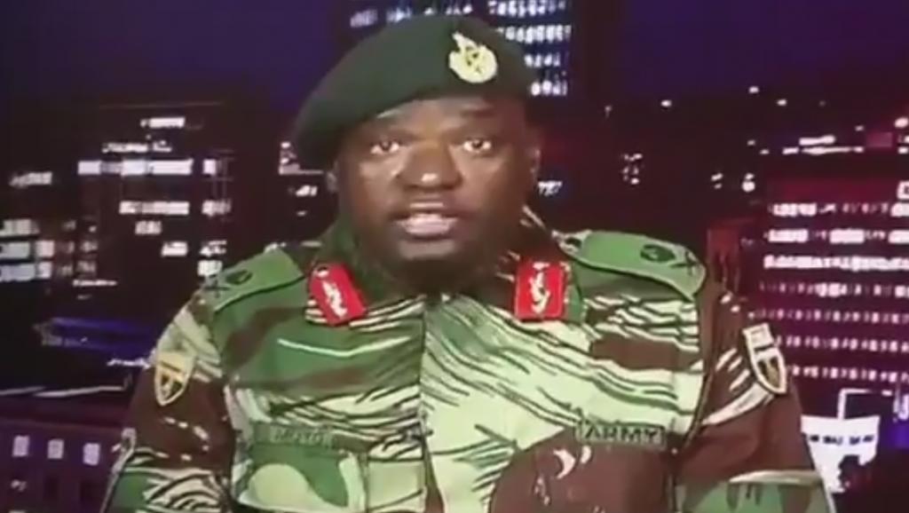 الجنرال سيبوسيسو مويو الذي قرأ بيان الاستيلاء على السلطة بزيمبابوي فجر الأربعاء 15 نوفمبر 2017.